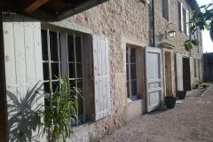 cour privée et garage, gite rural jura